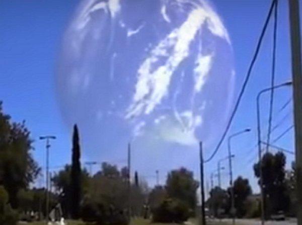 YouTube озадачило ВИДЕО загадочного явления, похожего на НЛО