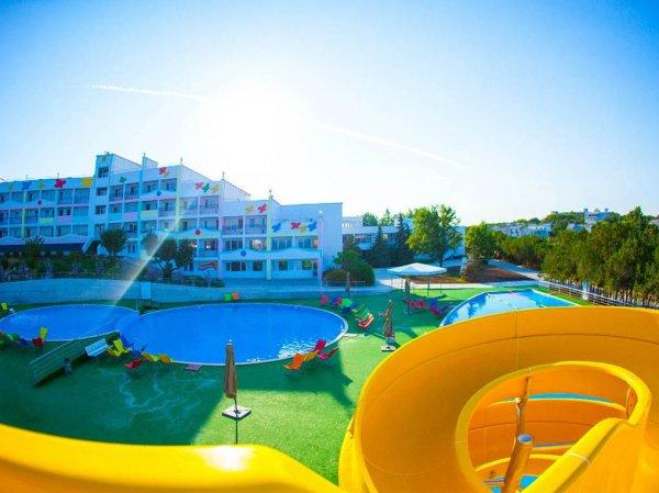К отелям и ресторанам Крыма обратились с призывом снизить цены