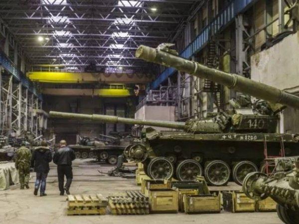 На Урале загорелся главный танковый завод России