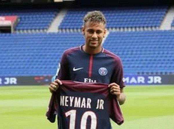 Опубликовано фото чека за трансфер Неймара в ПСЖ на €222 млн