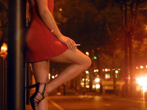 В Москве сотрудницу МВД задержали за занятие проституцией