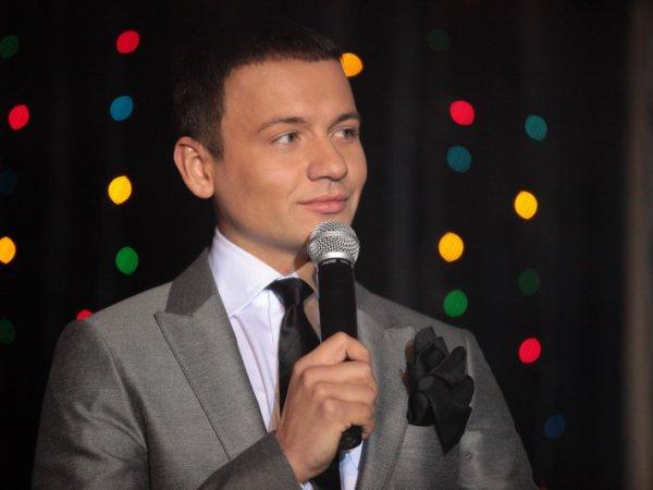 """Спасибо за доверие!"": Александр Олешко прокомментировал уход с ""Первого канала"""