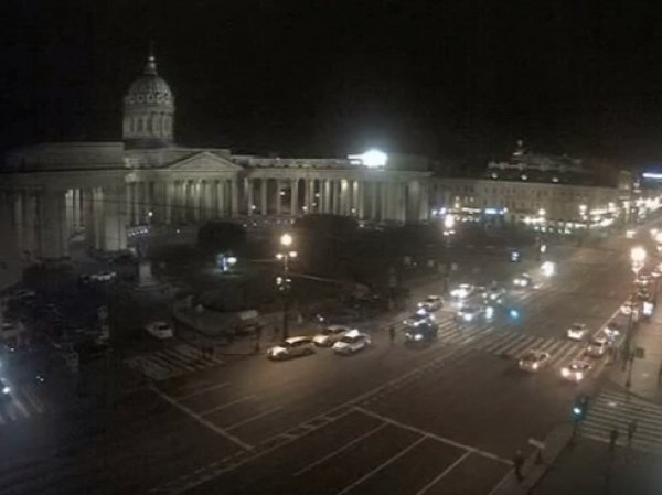 На Невском проспекте в Петербурге автомобиль протаранил пешеходов (ВИДЕО)