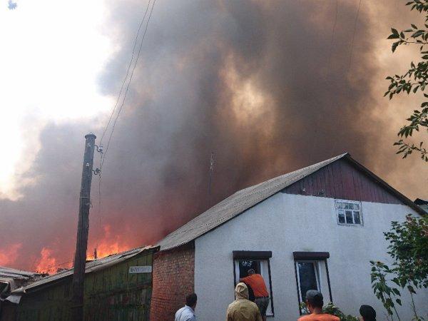 Пожар в Ростове-на-Дону сейчас: сгорело 118 домов, есть погибший (ВИДЕО)