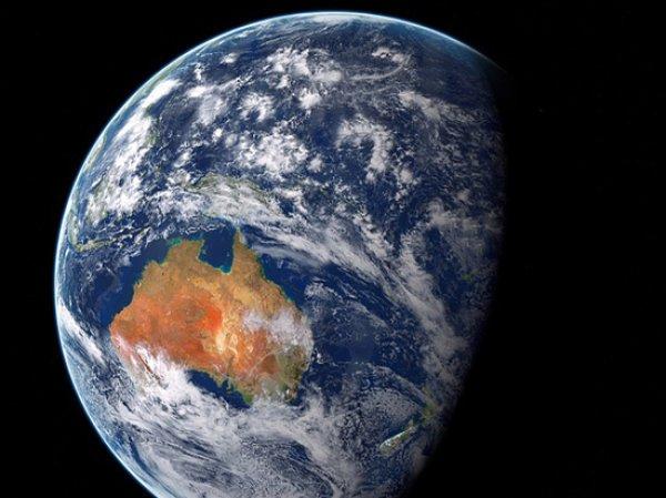 Уфологи заявили, что НАСА скрывает данные об инопланетянах на орбите Земли (ФОТО)