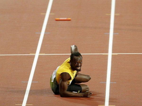 Усэйн Болт завершил карьеру, не сумев финишировать с травмой в эстафете 4х100 м на ЧМ 2017 (ВИДЕО)