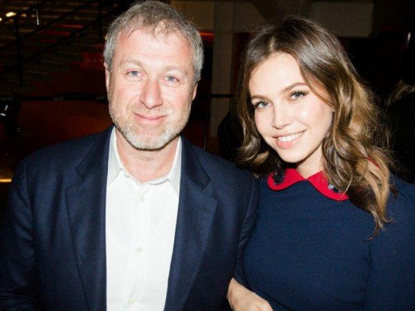 Стало известно, сколько Дарья Жукова получила за развод с Абрамовичем