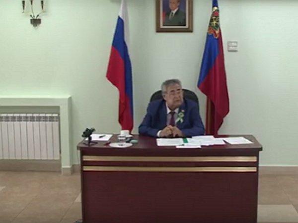 Тулеев провёл первое совещание в инвалидной коляске после длительного лечения