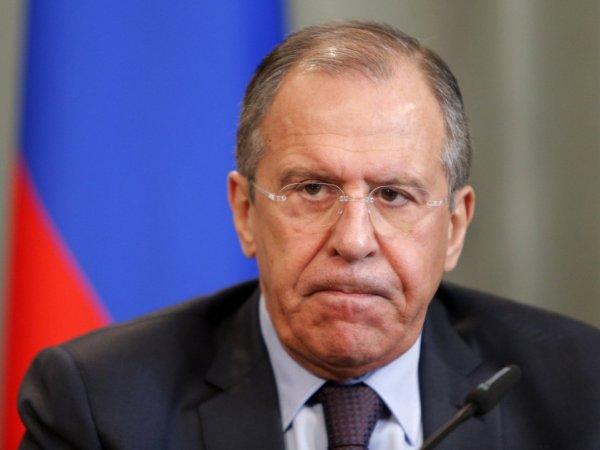 Лавров прокомментировал решение США ограничить выдачу виз россиянам