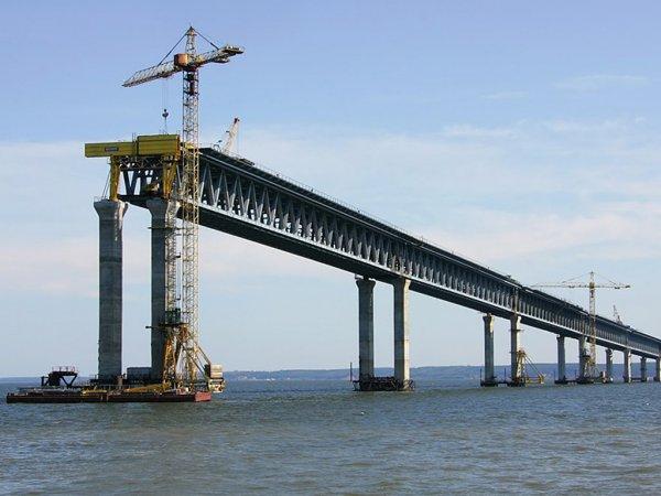 Киев объяснил, чем ему мешает строительство Крымского моста