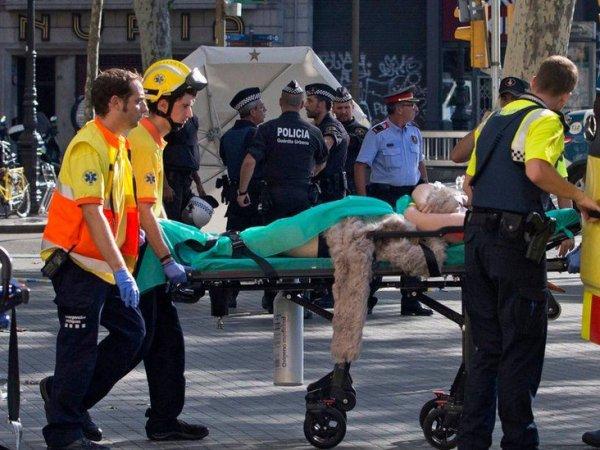 Теракт в Испании 2017: пятеро боевиков атаковали на машине пешеходов в Камбрильсе (ВИДЕО)
