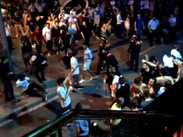 На YouTube появилось видео драки в Испании, в которой россияне до смерти избили итальянца