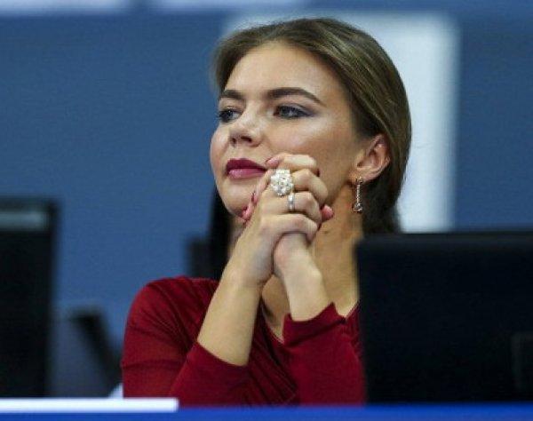 Алина Кабаева в прозрачном платье покорила поклонников (ФОТО)