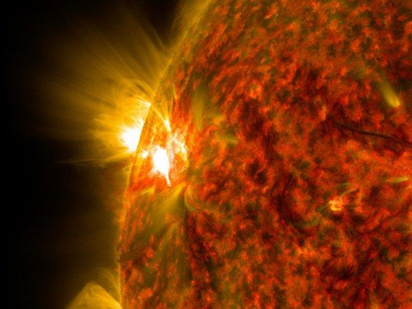 Экипажу МКС пришлось уйти в укрытие из-за вспышки на Солнце