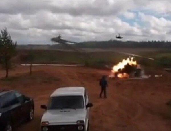 """ВИДЕО, как на учениях """"Запад-2017"""" вертолёт Ка-52 случайно открыл огонь по зрителям, появилось в Сети"""
