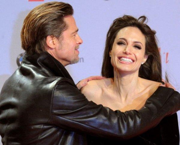 СМИ: Анджелина Джоли и Брэд Питт решили снова сойтись