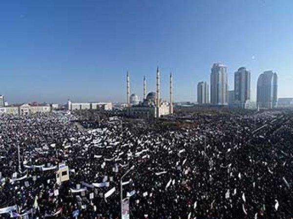Тысячи чеченцев вышли в Грозном на акцию протеста против событий в Мьянме (ВИДЕО)