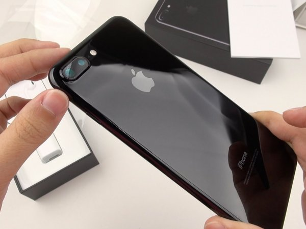 На iPhone 7 и iPhone 7 Plus резко упали цены