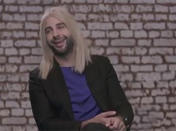 Иван Ургант снял видеопародию на интервью Собчак Дудю