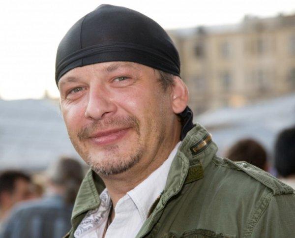 Актер Дмитрий Марьянов умер по дороге в больницу: причина смерти выясняется