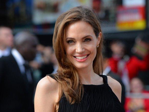 СМИ: Анджелина Джоли собралась замуж за британского бизнесмена
