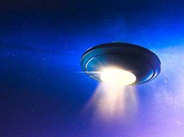 Уфологи выложили в Сеть видео с гигантскими НЛО