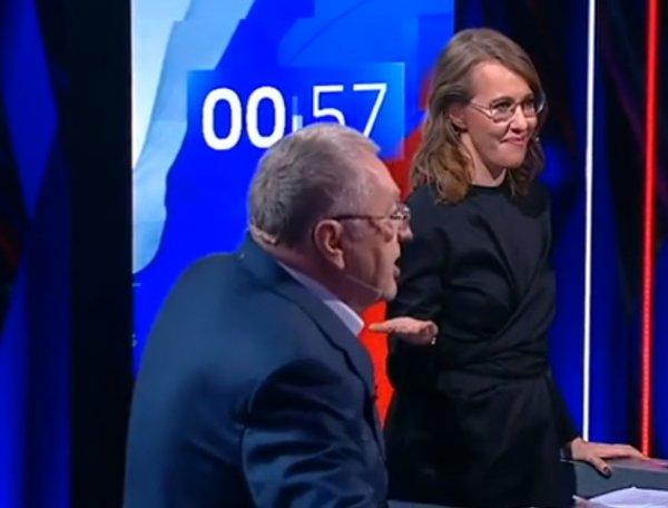 Во время дебатов Собчак вылила на Жириновского стакан воды, а он ее обматерил