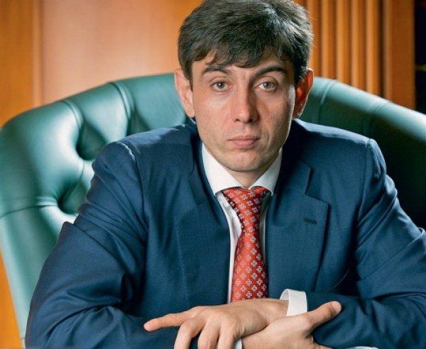 """ВТБ купил акции """"Магнита"""", основатель сети Галицкий покидает компанию"""