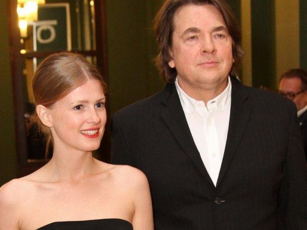 Молодая жена Эрнста впервые опубликовала личный снимок с мужем