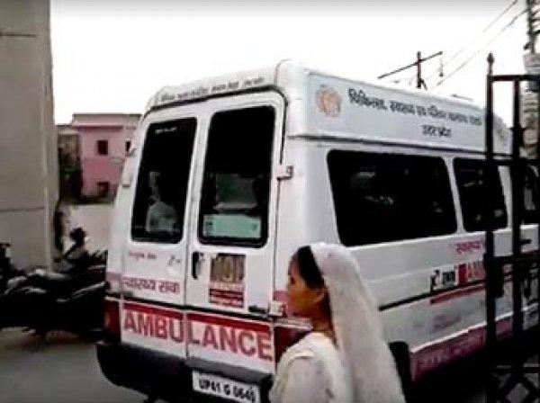 В Индии отец-мясник отрубил сыну руку за просмотр порно