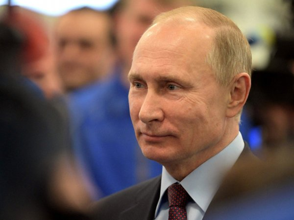 """Путин рассказал о причинах гибели подлодки """"Курск"""""""