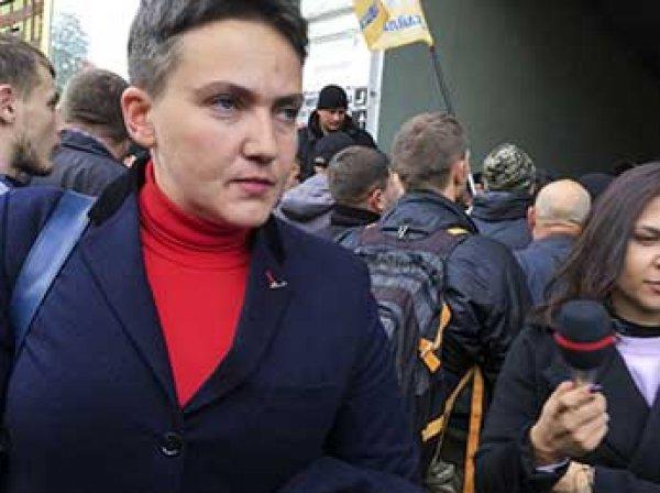 На Украине заявили о бегстве летчицы Савченко в Россиию