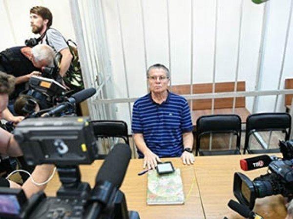 Защита Улюкаева срочно меняет показания после показаний Сечина в суде