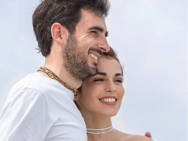 Сати Казанова спровоцировала слухи о разводе вопросом в соцсетях