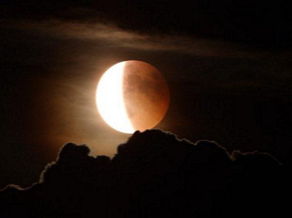 Россияне увидят самое долгое затмение Луны