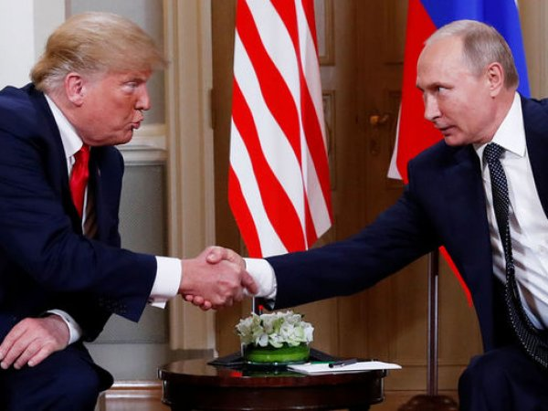 """Трамп назвал Путина """"персонально ответственным"""" за вмешательство в выборы в США"""