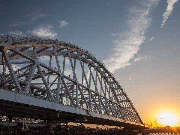 Водолазы начали разбирать Крымский мост