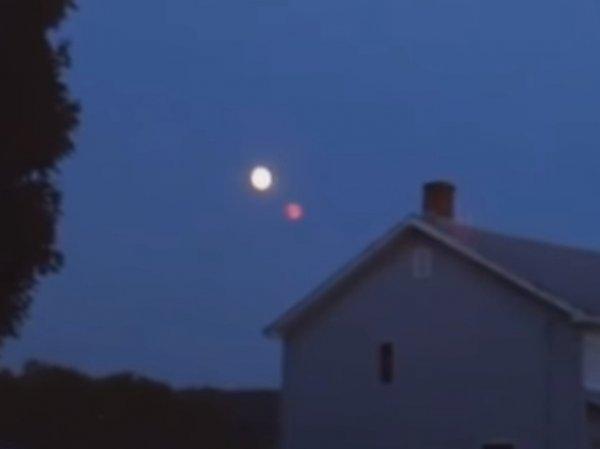 Житель США снял на видео Нибиру рядом с Луной