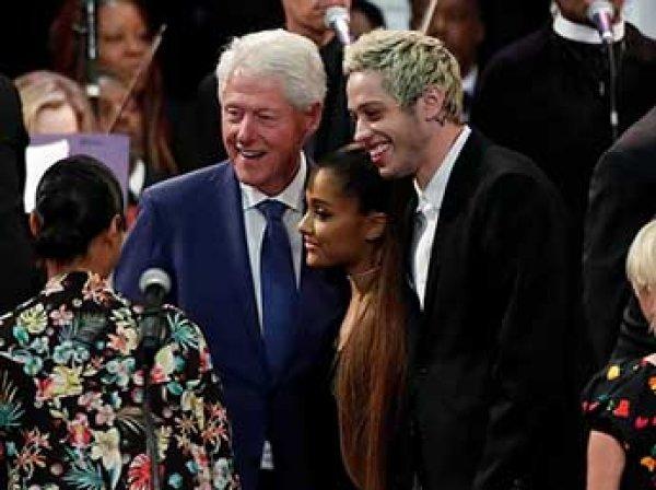 """Билл Клинтон """"уронил челюсть"""" от выступления молодой певицы"""