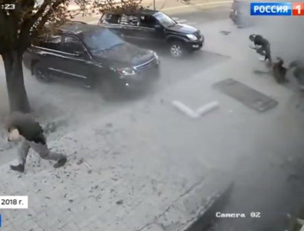 """Видео взрыва в кафе """"Сепар"""", где погиб Захарченко, появилось в Сети"""