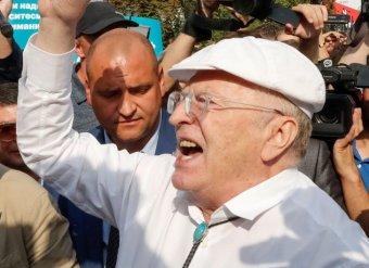 """""""Я тебя на три года посажу!"""": драка Жириновского на митинге в Москве 9 сентября попала на видео"""
