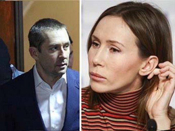 Жена полковника Захарченко эмигрировала из России в США