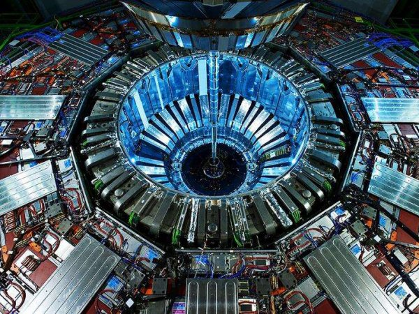 Ученый описал сценарии гибели Земли из-за андронного коллайдера