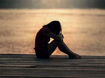 Ученые назвали три самых одиноких периода в жизни человека