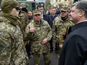 Порошенко отправляет войска к границе с Россией
