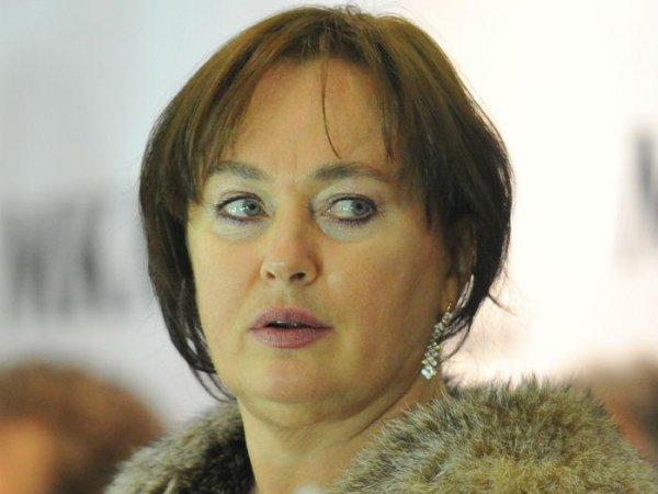 """Баба Яга после климакса"": Гузееву унизили за полуголое фото в ёлках на морозе"