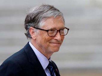 Фото Билла Гейтса в очереди за бургером стало вирусным в Сети