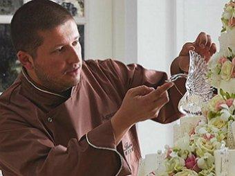 СМИ: король тортов Ренат Агзамов отправил свою любовницу за решетку