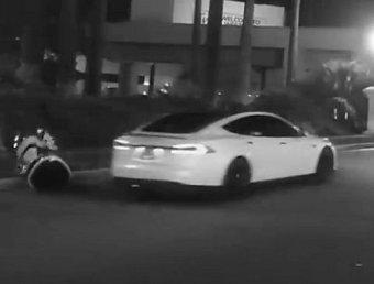 """PR """"Сколково"""": СМИ объяснили, почему Tesla не сбивала российского робота на видео"""