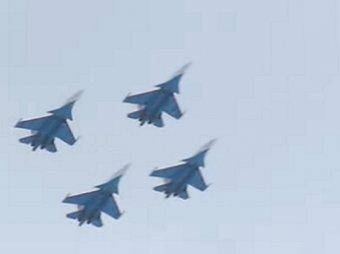 «Танец смерти»: новая фигура высшего пилотажа пилотов «Русских витязей» потрясла Сеть (ВИДЕО)